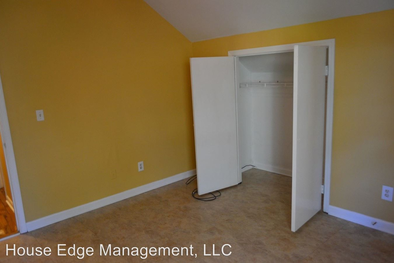 4 Bedrooms 3 Bathrooms Apartment for rent at 446 Holly St Nw in Atlanta, GA