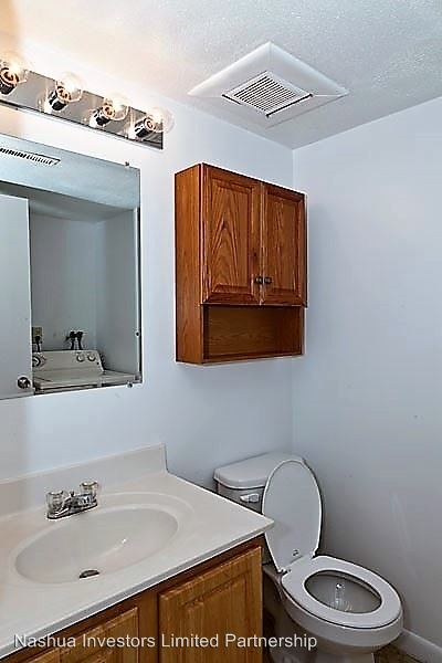 3 Bedrooms 1 Bathroom Apartment for rent at 105 Spit Brook Road in Nashua, NH