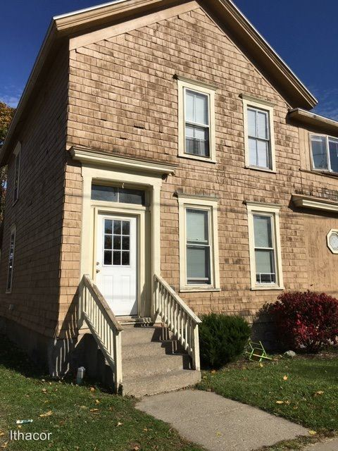 3 Bedrooms 1 Bathroom Apartment for rent at 38 Lincoln Ave in Cortland, NY