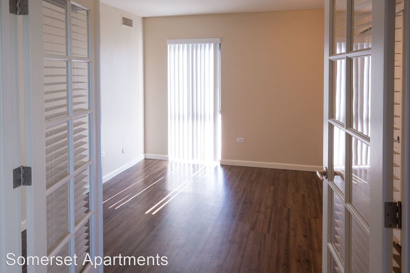 2 Bedrooms 1 Bathroom Apartment for rent at Somerset Apartments in Denver, CO