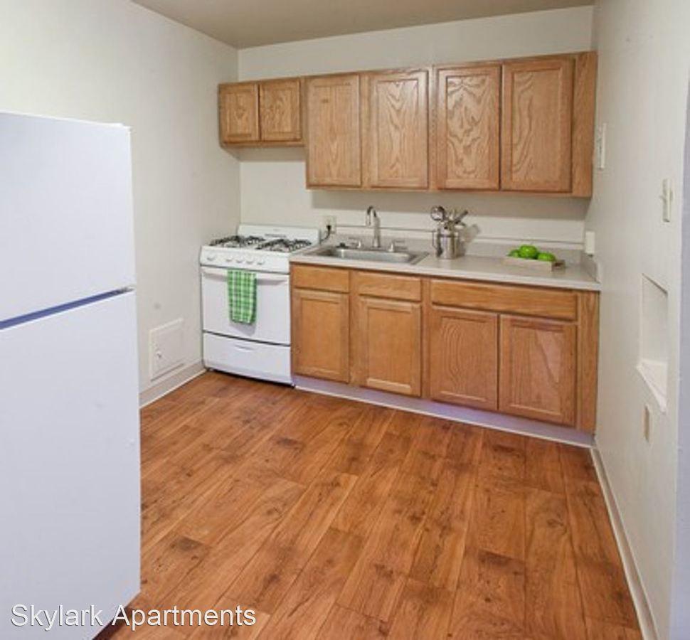Studio 1 Bathroom Apartment for rent at Skylark Apartments in Denver, CO