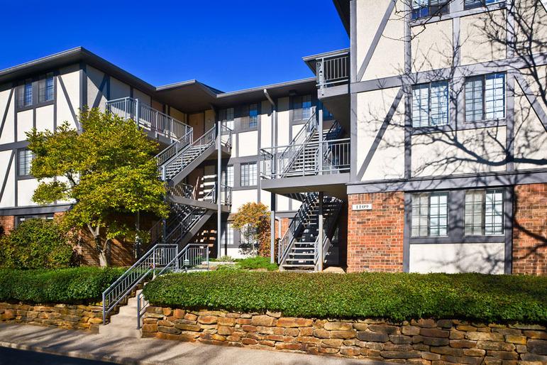 Shore Acres Apartments
