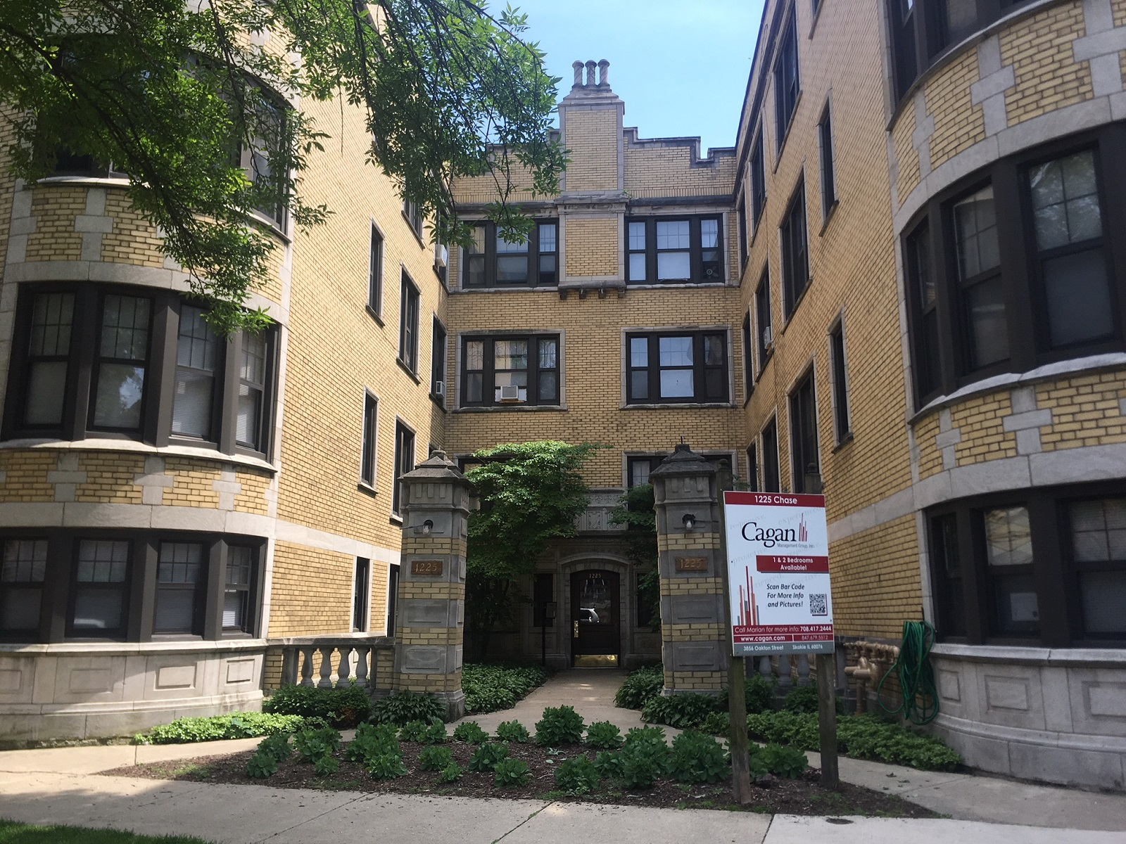 1221-31 W. Chase Ave rental