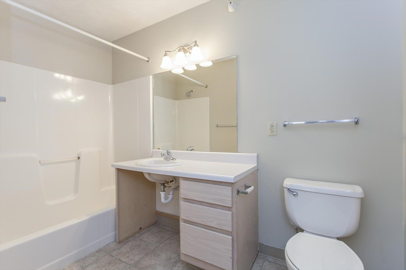 2 Bedrooms 1 Bathroom Apartment for rent at Cambridge Apartments in Fremont, NE