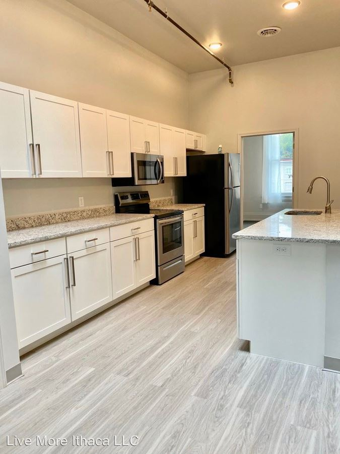 3 Bedrooms 1 Bathroom Apartment for rent at 77-79 Main Street in Cortland, NY