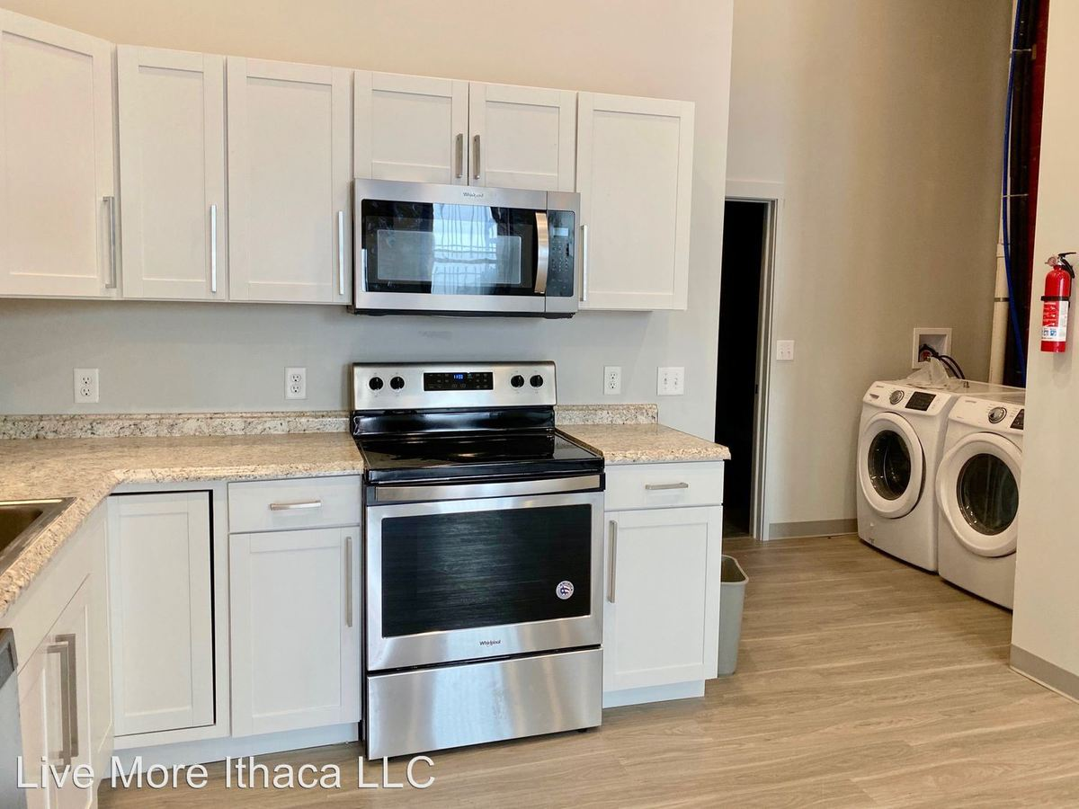 2 Bedrooms 1 Bathroom Apartment for rent at 77-79 Main Street in Cortland, NY