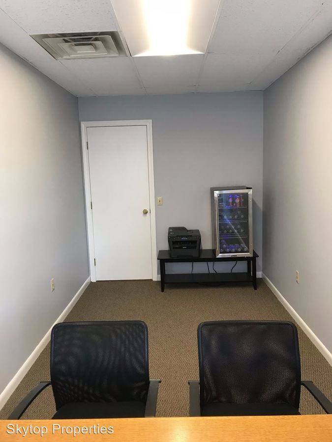Studio 1 Bathroom Apartment for rent at 391-401 North Street in Pittsfield, MA