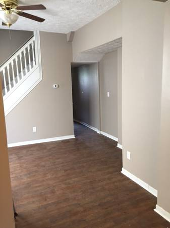 3 Bedrooms 1 Bathroom Apartment for rent at West Third Left in Columbus, OH