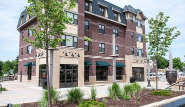 Oaks Station Place Apartment for rent in Minneapolis, MN