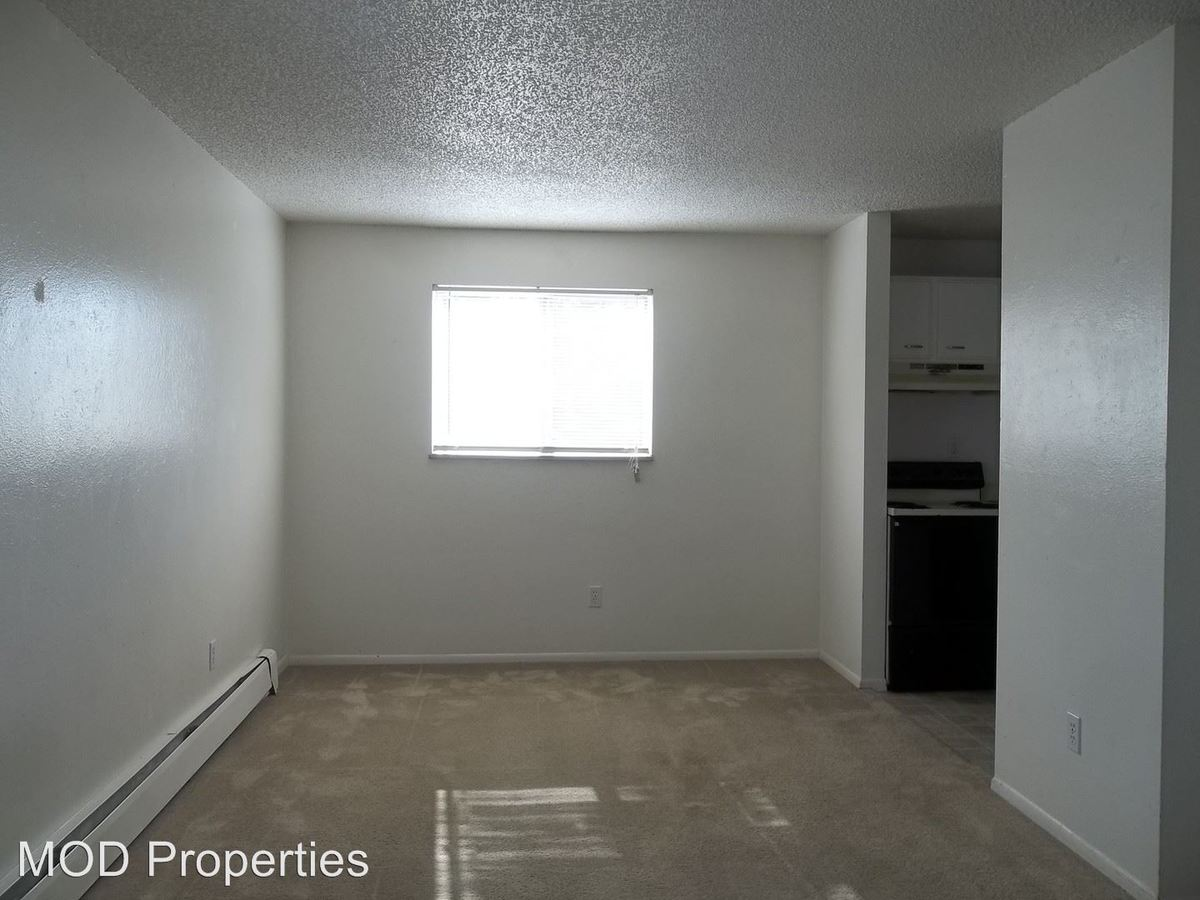 2 Bedrooms 1 Bathroom Apartment for rent at 1411 Ulysses St. in Golden, CO