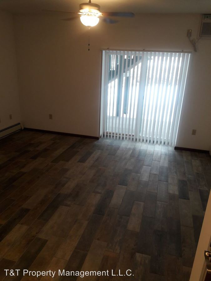 1 Bedroom 1 Bathroom Apartment for rent at 2022 N. Ferry St. in Anoka, MN