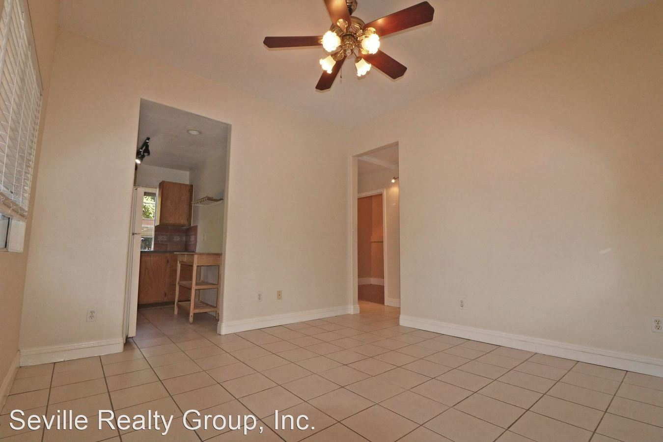 2 Bedrooms 1 Bathroom Apartment for rent at 2658-2662 E Street in San Diego, CA