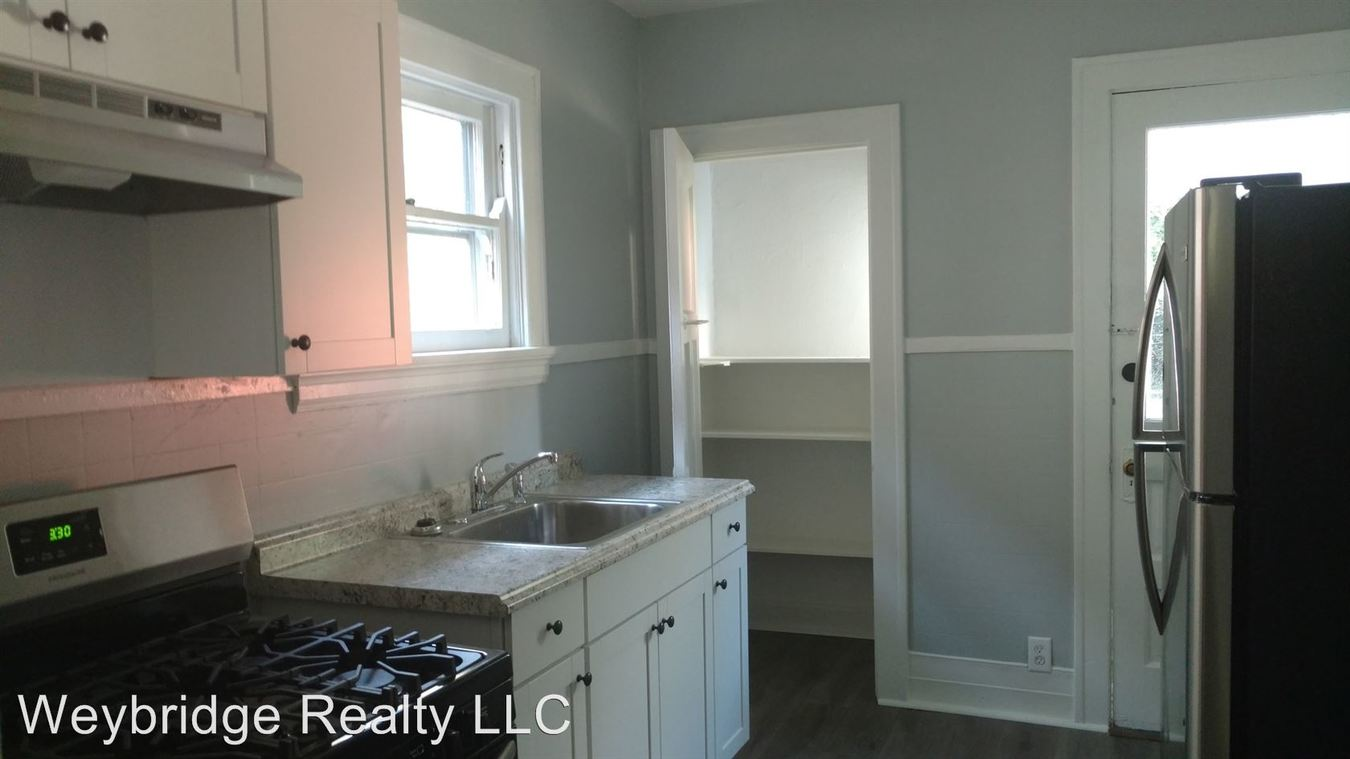 1 Bedroom 1 Bathroom Apartment for rent at 2132 Cathedral Ave in Norwwod, OH