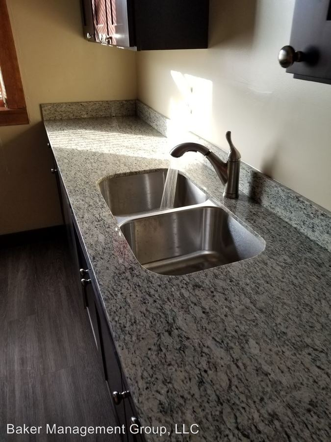 3 Bedrooms 1 Bathroom Apartment for rent at 2617 3rd Avenue South in Minneapolis, MN