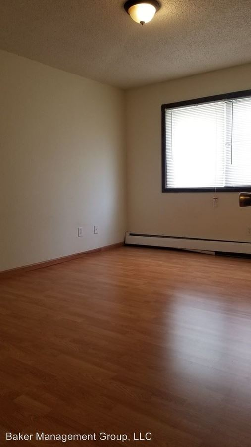 2 Bedrooms 1 Bathroom Apartment for rent at 2742 Hennepin Avenue South in Minneapolis, MN