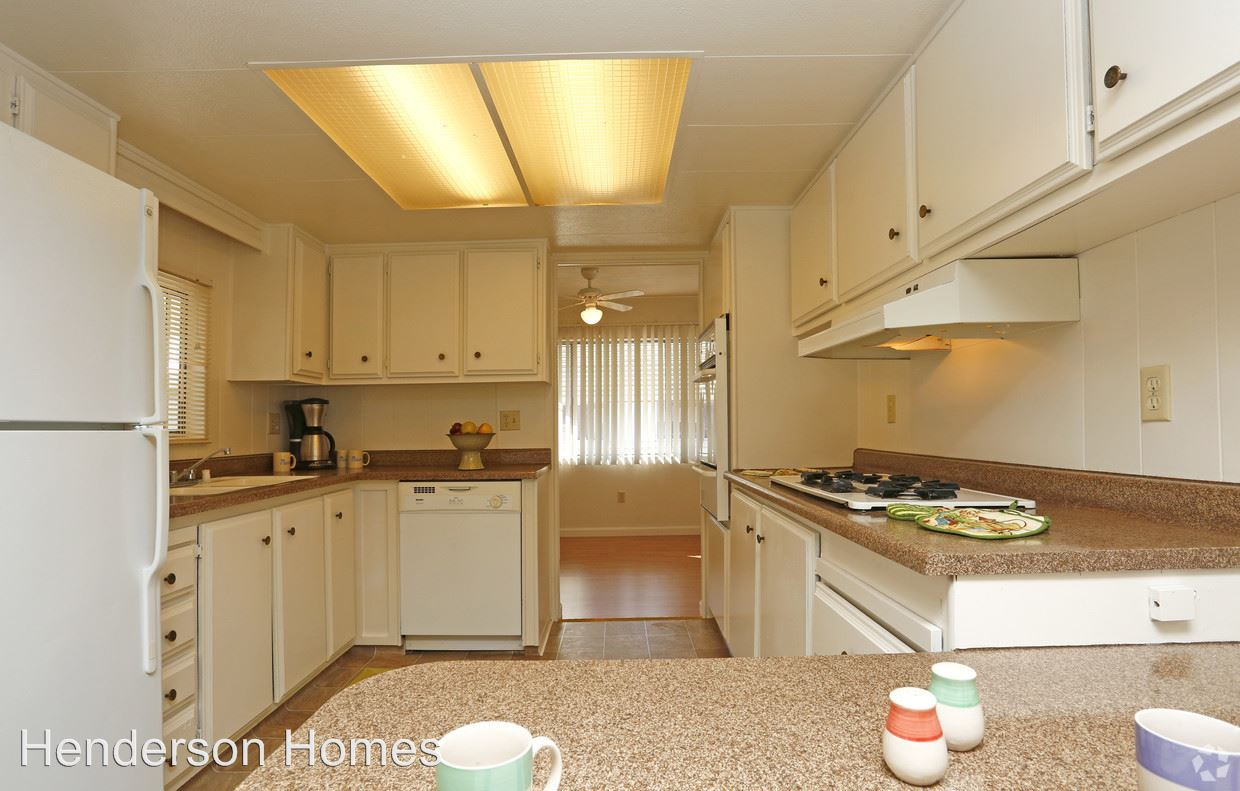 5 Bedrooms 2 Bathrooms Apartment for rent at 954 Henderson Avenue in Sunnyvale, CA