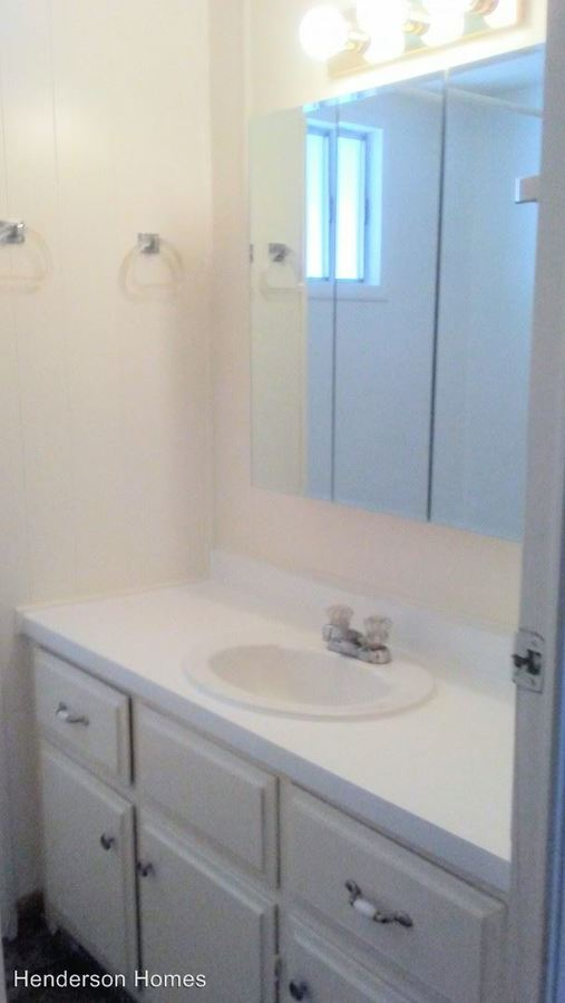 2 Bedrooms 1 Bathroom Apartment for rent at 900 Henderson Avenue 01-100 in Sunnyvale, CA