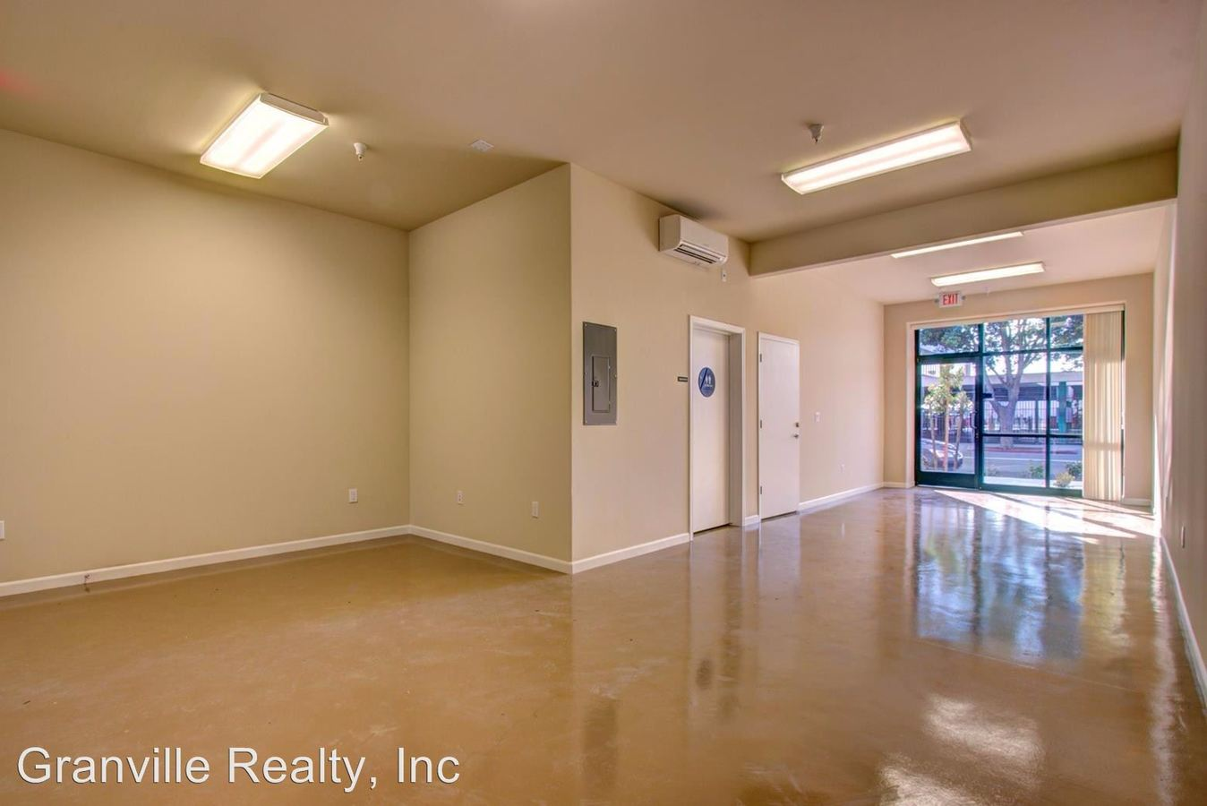 2 Bedrooms 3 Bathrooms Apartment for rent at 1525 Van Ness/1530 Fulton/1560 Fulton in Fresno, CA