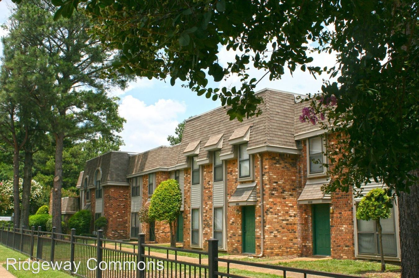 1 Bedroom 1 Bathroom Apartment for rent at Ridgeway Commons Townhomes in Memphis, TN