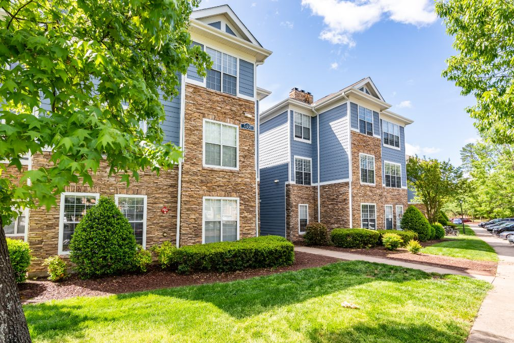 Apartments Near UNC Notting Hill for University of North Carolina Students in Chapel Hill, NC