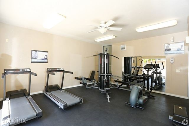 2 Bedrooms 1 Bathroom Apartment for rent at 2-bedroom Unit With Utilities Included in Peoria, AZ