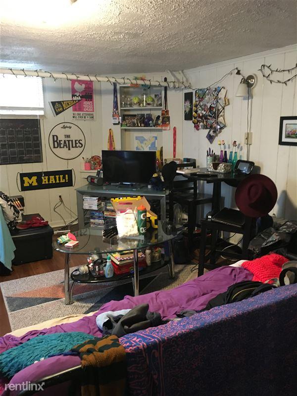 Studio 1 Bathroom House for rent at 1220 White St. in Ann Arbor, MI