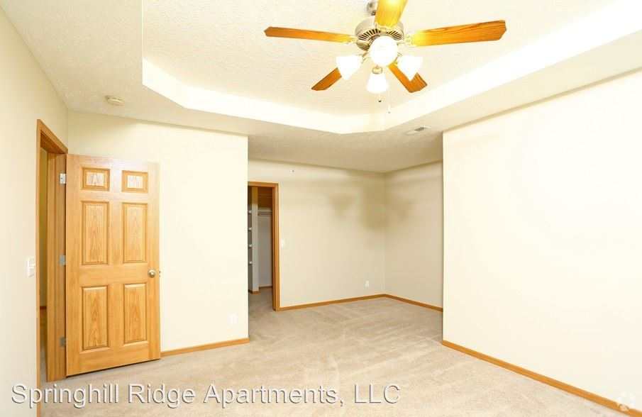2 Bedrooms 2 Bathrooms Apartment for rent at 15735 Rosewood Street in Omaha, NE