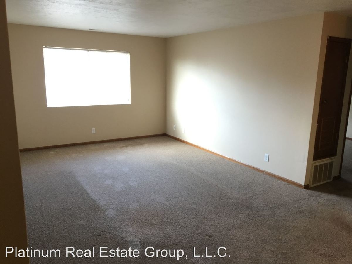2 Bedrooms 2 Bathrooms Apartment for rent at 5402 & 5450 S. 77th St in Ralston, NE
