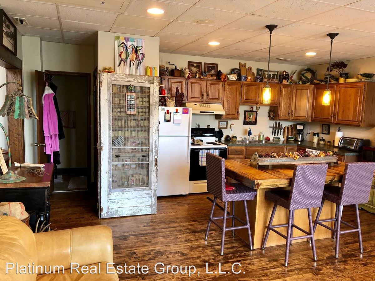 2 Bedrooms 1 Bathroom Apartment for rent at 5402 & 5450 S. 77th St in Ralston, NE