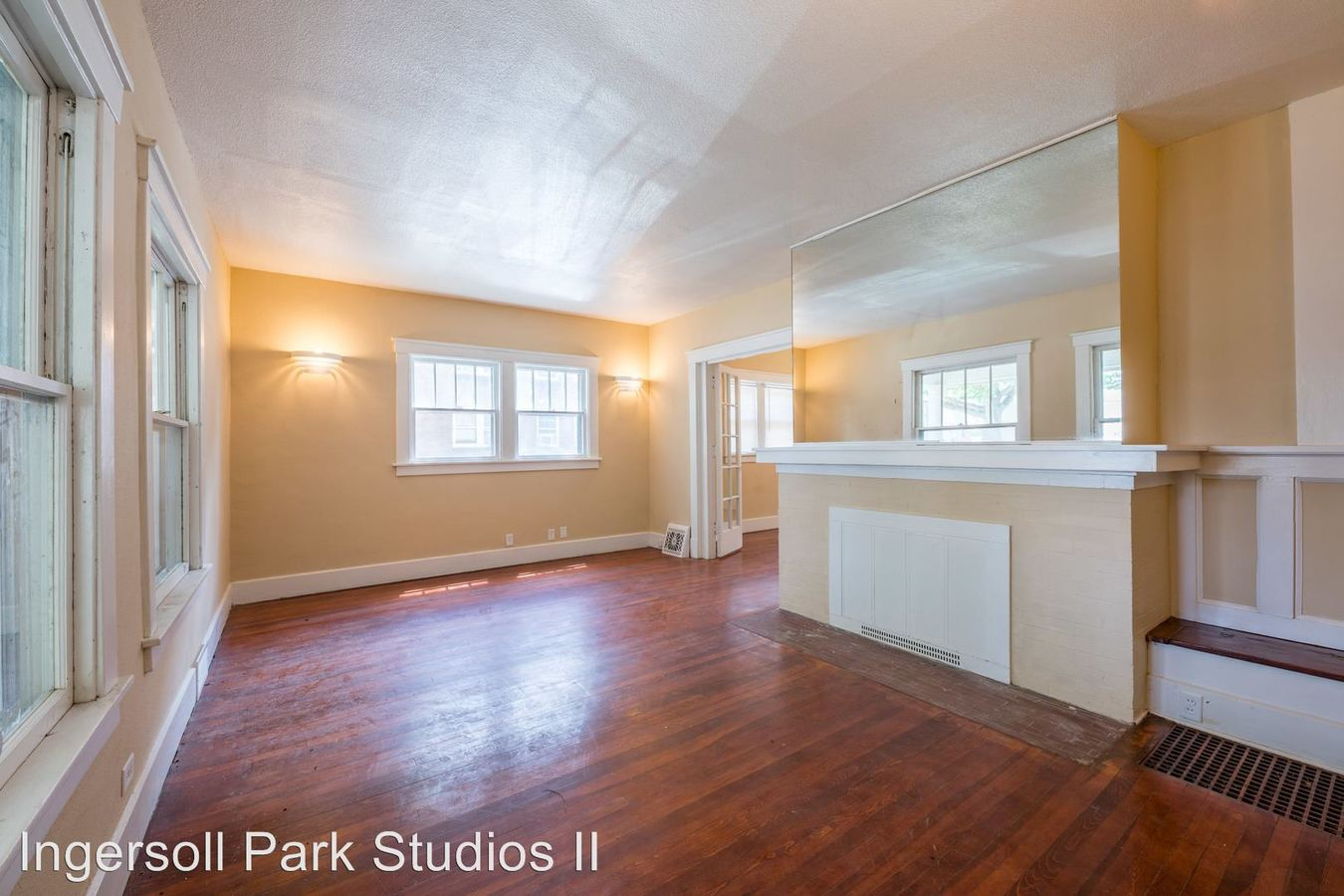 2 Bedrooms 1 Bathroom Apartment for rent at 3607 Ingersoll Ave in Des Moines, IA