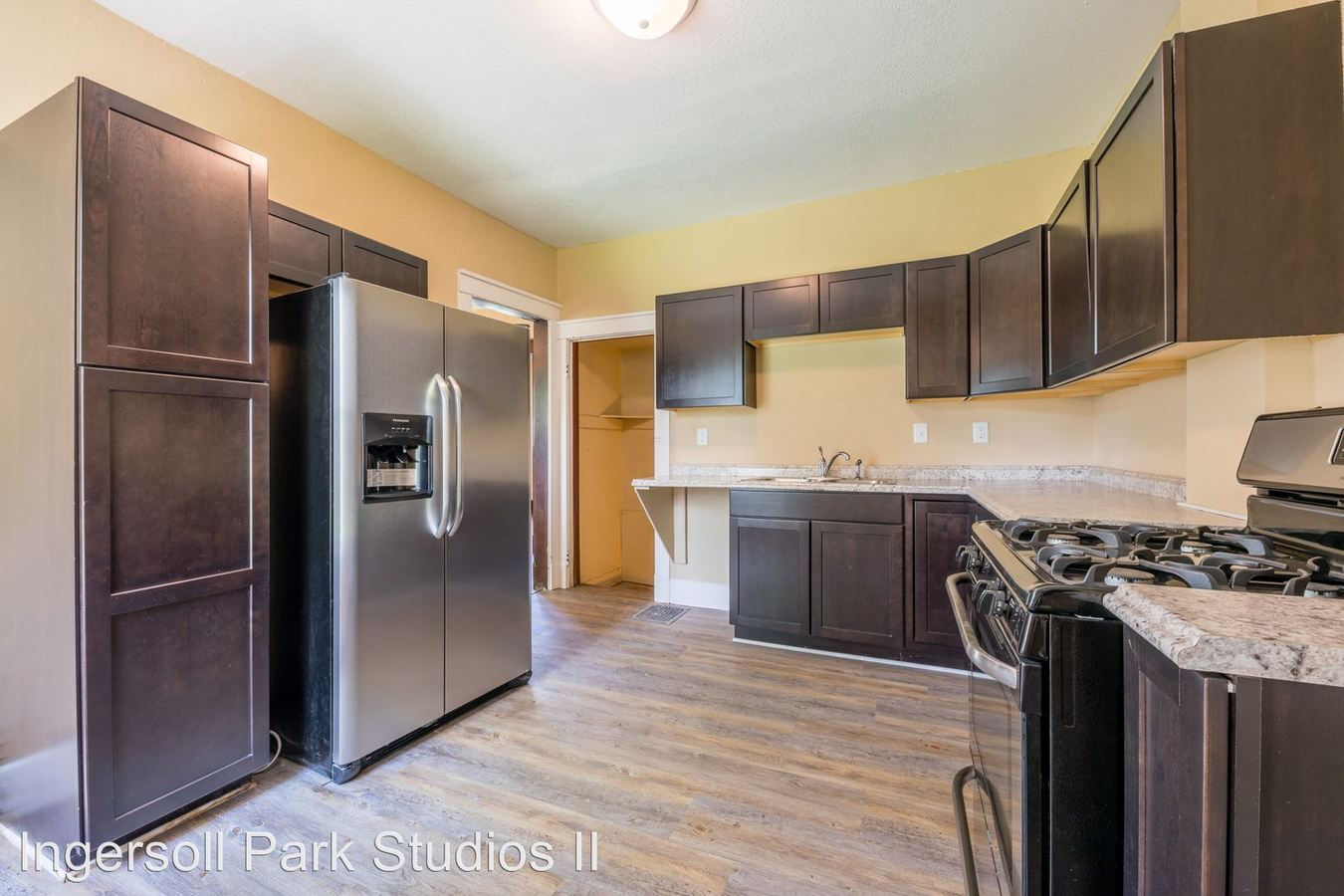 3 Bedrooms 1 Bathroom Apartment for rent at 3607 Ingersoll Ave in Des Moines, IA