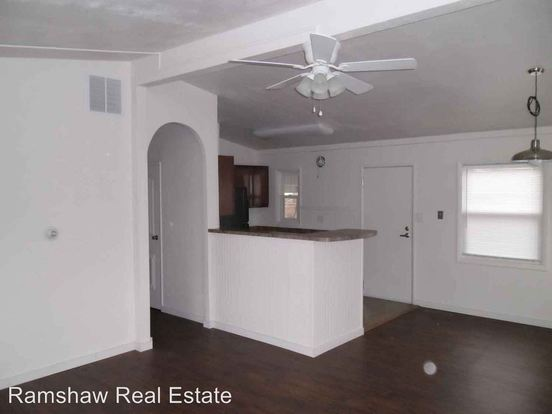 3 Bedrooms 1 Bathroom Apartment for rent at Rental in Champaign, IL