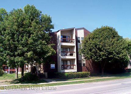 5 Bedrooms 2 Bathrooms Apartment for rent at 1009 S. First in Champaign, IL