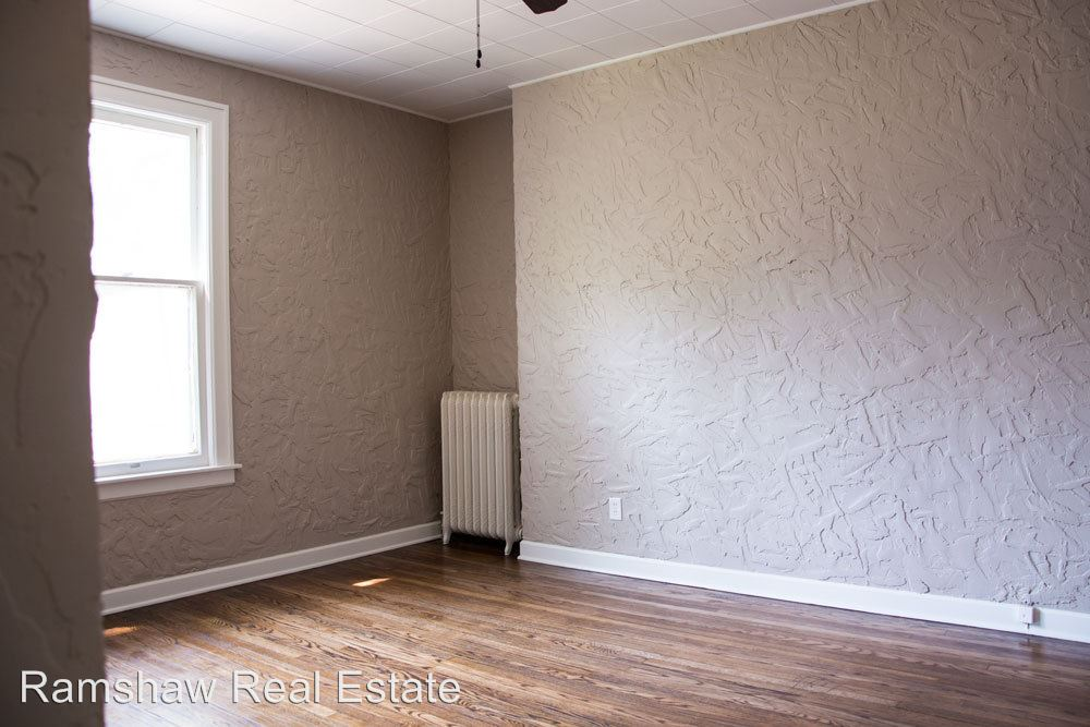 2 Bedrooms 1 Bathroom Apartment for rent at 509 N Willis Ave in Champaign, IL