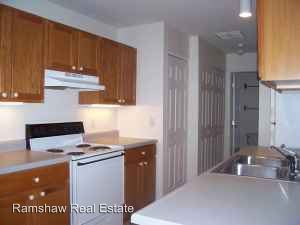 2 Bedrooms 2 Bathrooms Apartment for rent at 1203 Wesley Ave in Savoy, IL