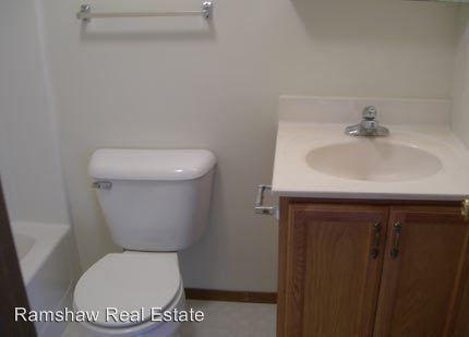 1 Bedroom 1 Bathroom Apartment for rent at 1206 Wesley Ave in Savoy, IL