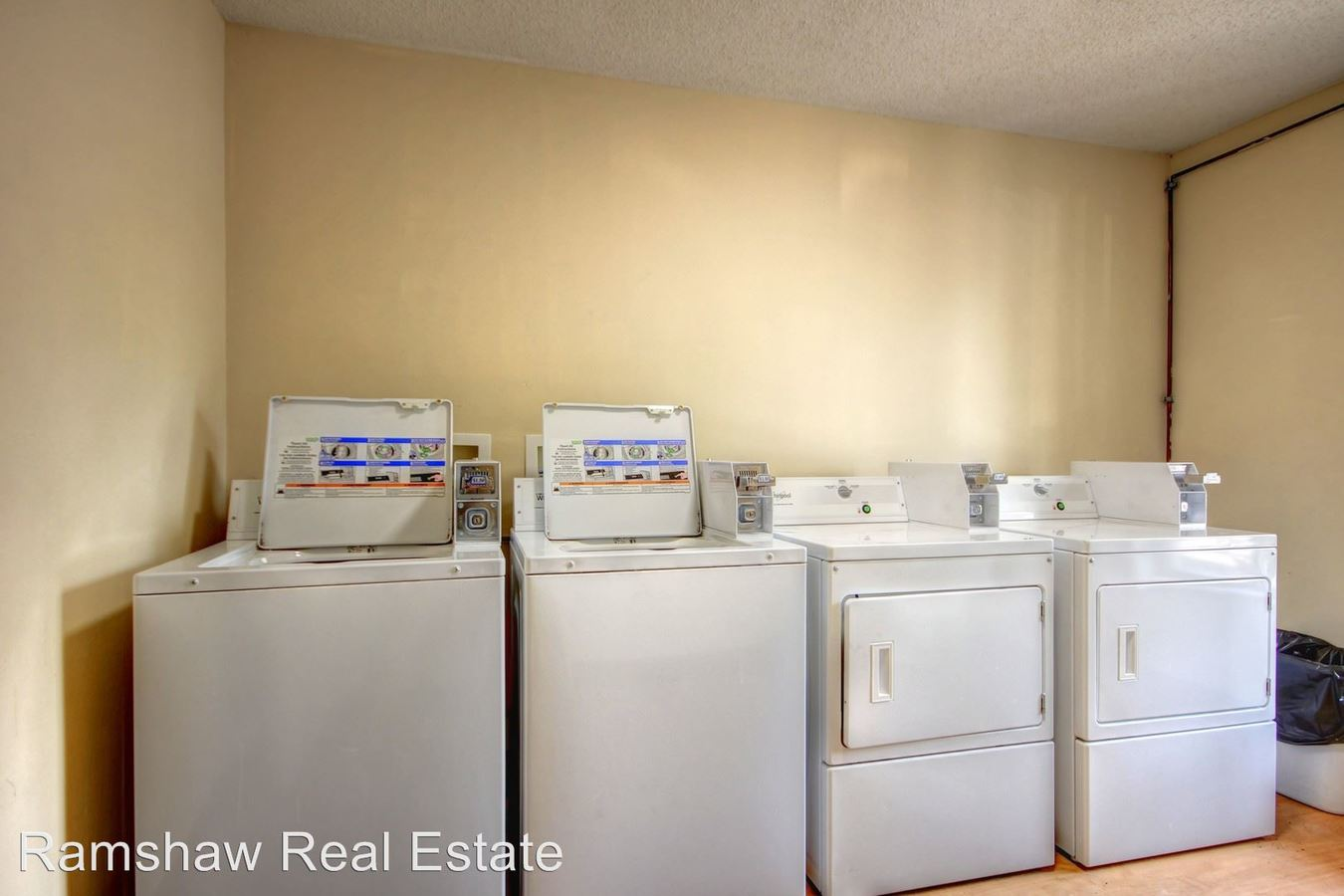 2 Bedrooms 1 Bathroom Apartment for rent at 1902 Karen Ct in Champaign, IL