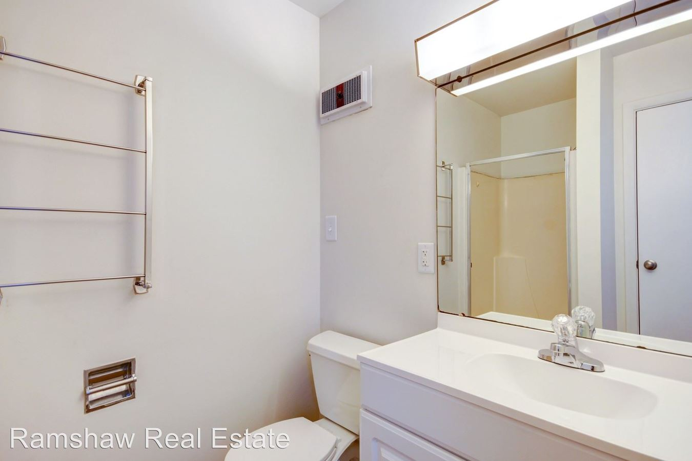 Studio 1 Bathroom Apartment for rent at 111 W Park St in Urbana, IL