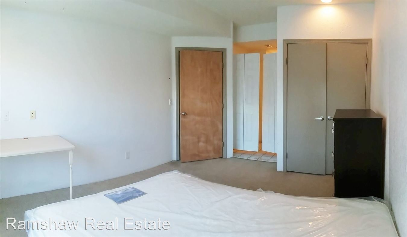 1 Bedroom 1 Bathroom Apartment for rent at 305 E. John St in Champaign, IL
