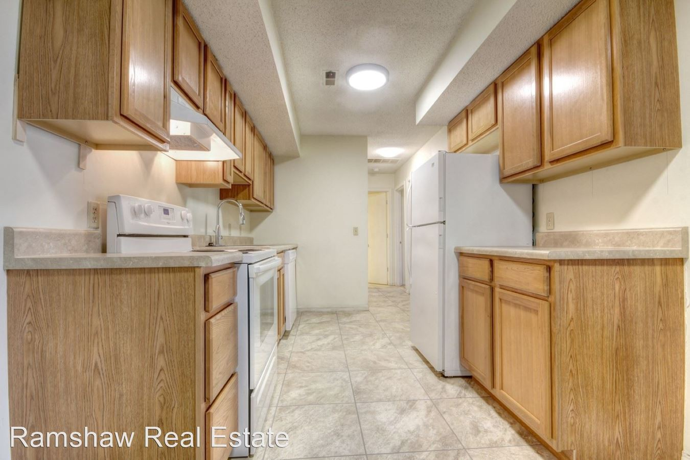 2 Bedrooms 1 Bathroom Apartment for rent at 1901 Karen Ct in Champaign, IL