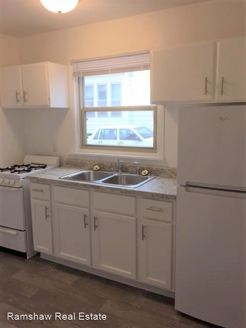 Studio 1 Bathroom Apartment for rent at 704 Stoughton St in Urbana, IL