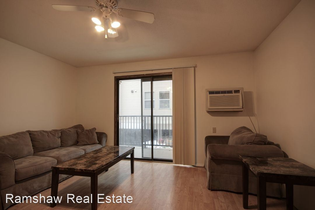 1 Bedroom 1 Bathroom Apartment for rent at 706 S Locust St in Champaign, IL