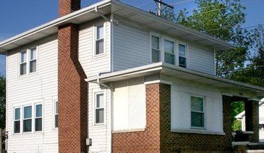 107 E Dixie Apartment for rent in Bloomington, IN