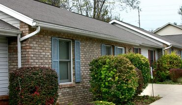 820 E. Hillside Apartment for rent in Bloomington, IN