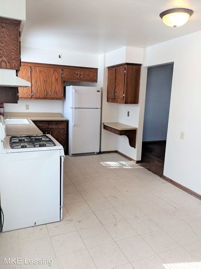 3 Bedrooms 1 Bathroom Apartment for rent at 10001-10033 W Hampton Ave And 4771-73 N 100th St in Milwaukee, WI