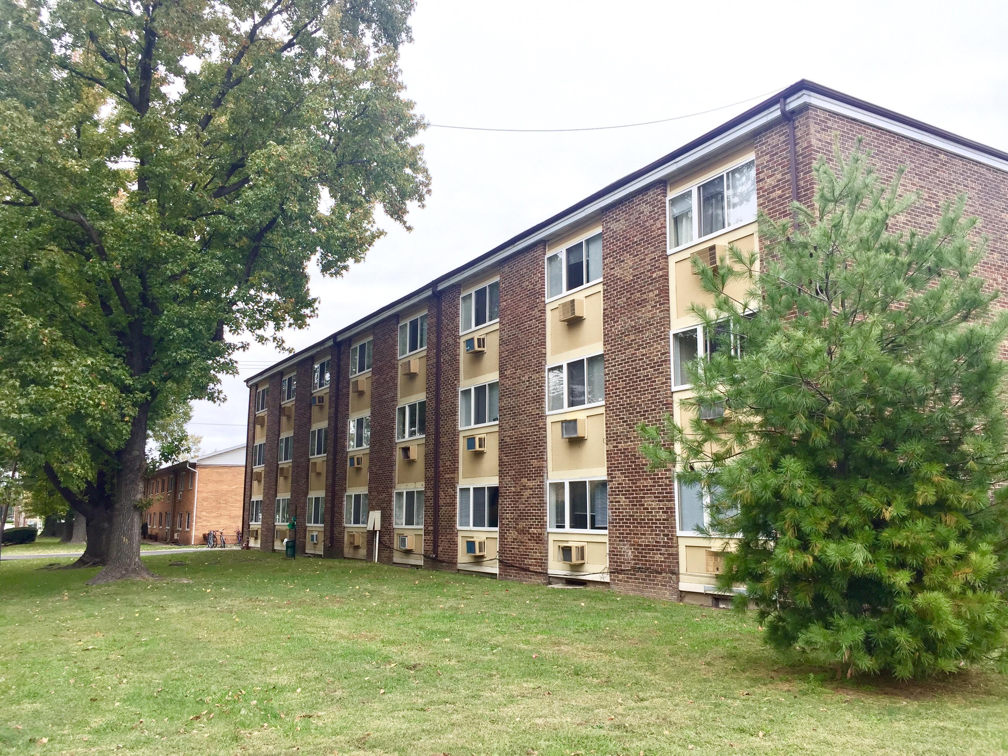 Saluki Apartments