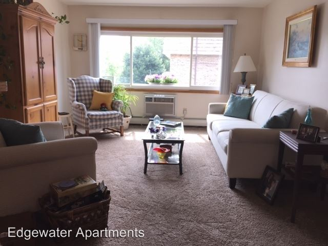 2 Bedrooms 1 Bathroom Apartment for rent at 231 N. Fowler Street in Oconomowoc, WI