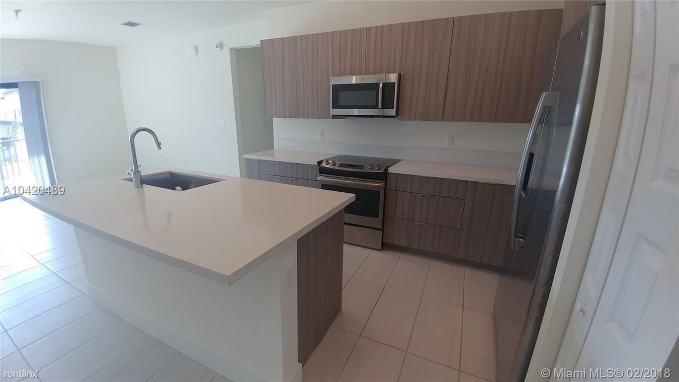 Apex At Park Central Apartments Doral, FL