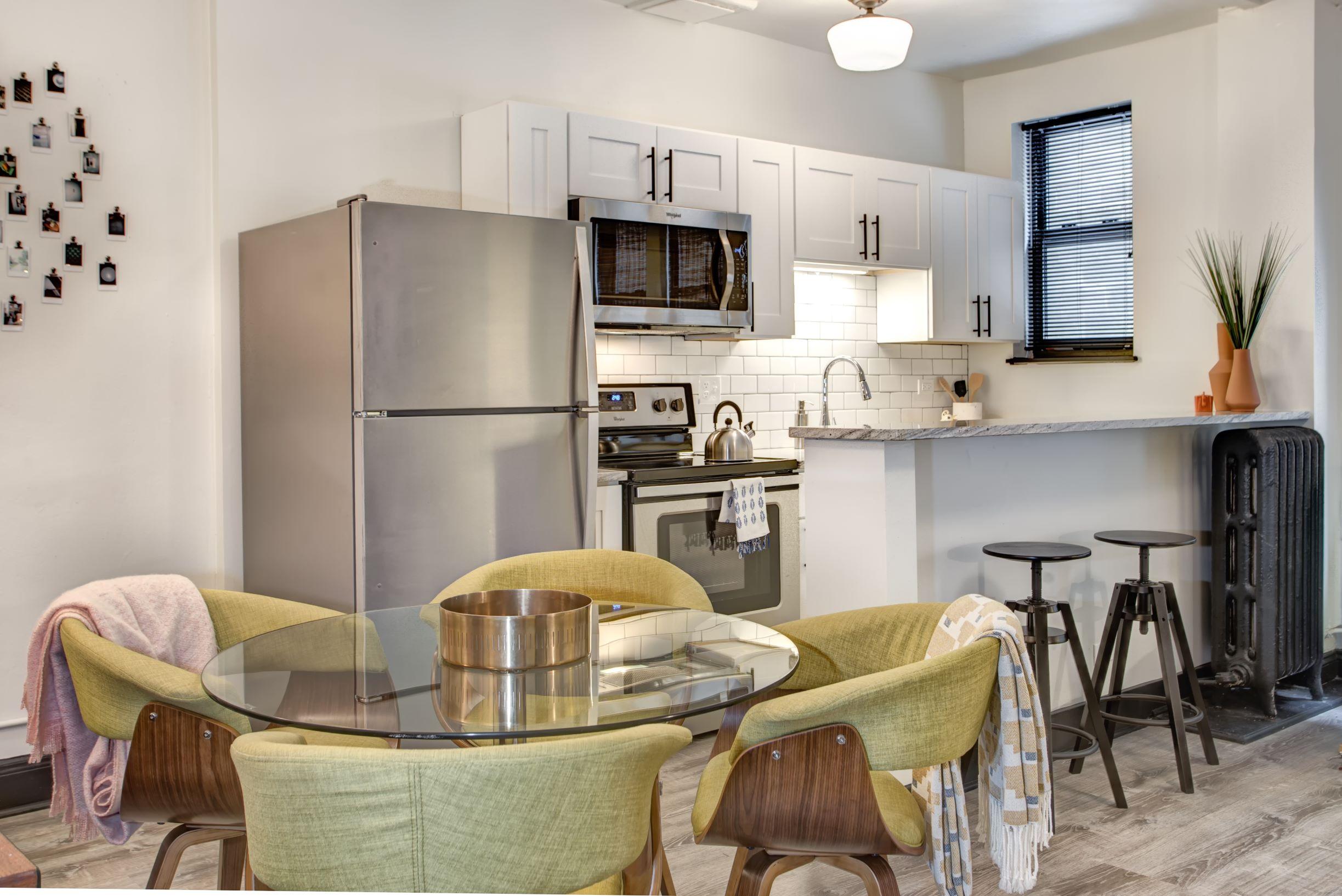 Vivian Apartments