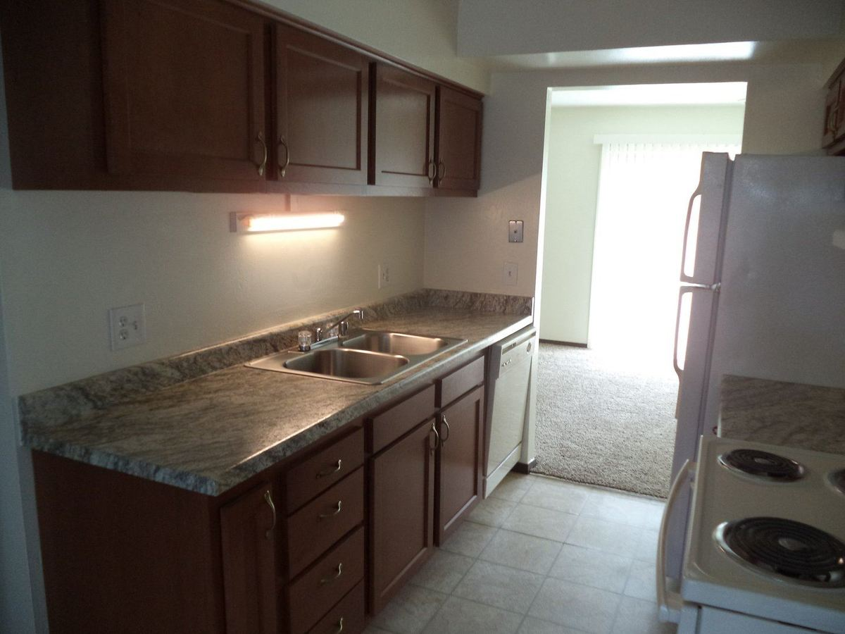 2 Bedrooms 1 Bathroom Apartment for rent at 1912 East Calumet Street in Appleton, WI